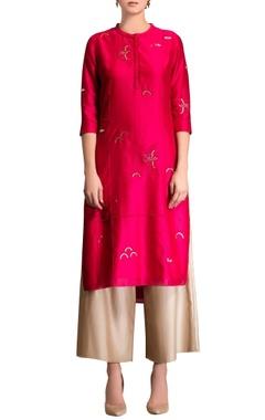 Fuschia pink kurta set with embroidery