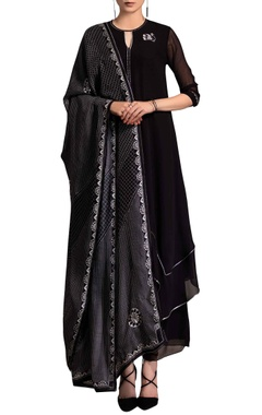 black kurta set with screen printing
