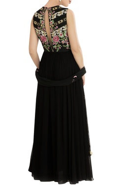 black kurta set with floral embroidery