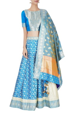 Blue lehenga set with floral pattern