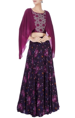 Black printed skirt & wine crop top