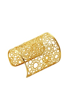 Gold plated hand-cuff in geometric pattern