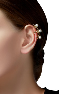 Gold plated ear-cuffs with pearls