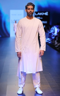 Antar-Agni white pleated & paneled kurta