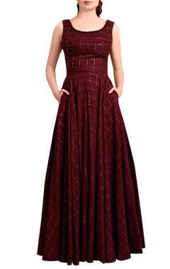 Wine red checkered gown