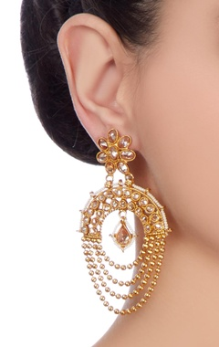 Gold plated earrings with light pink studs
