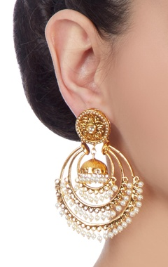 Gold plated hoop earrings with pearls