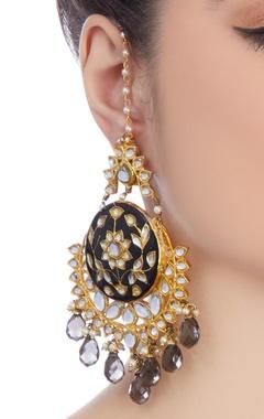 Black earring with kundan stones