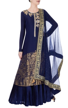Navy blue & gold kurta set in ancient gold motifs