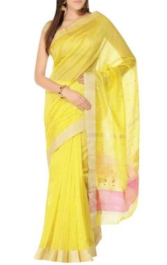 Yellow sari with zari bootis