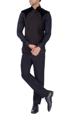 Barkha 'N' Sonzal Black sleeveless zipper bandhgala