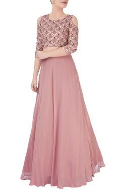 Esha Koul dusky pink embroidered lehenga set teamed with a matching blouse