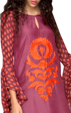 purple kurta with printed sleeves