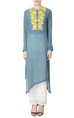 Blue striped kurta set with embroidery