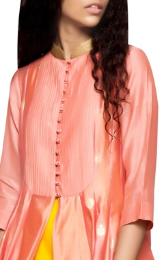 peach butti pintuck kurta & yellow pants