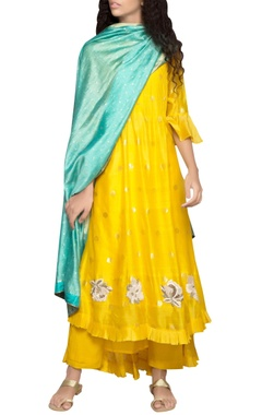 yellow pintuck kurta set
