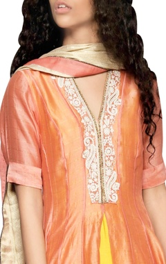 peach cutwork kurta & dupatta set