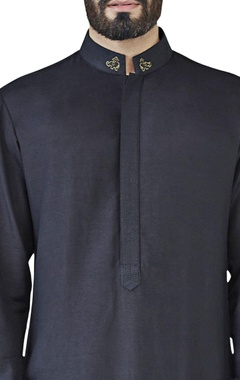 black self textured kurta