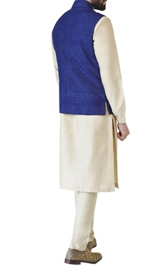 Navy blue tonal embroidered raw silk bandi