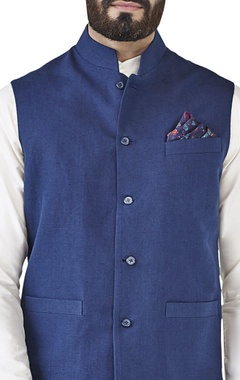 Navy blue embroidered bandi