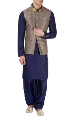 blue kurta & metallic nehru jacket