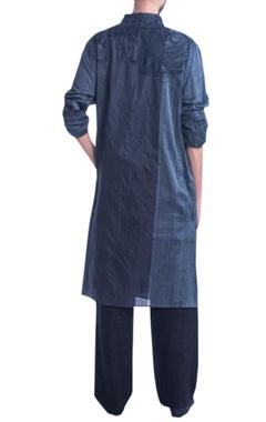 Grey kurta set with thread embroidery.