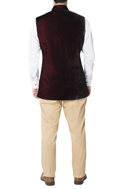Burgundy nehru jacket with contrast pockets