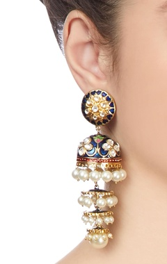 Gold plated tiered pearl earrings