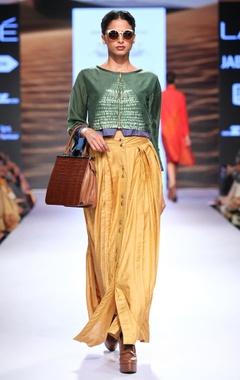 Green shibori top & pleated skirt
