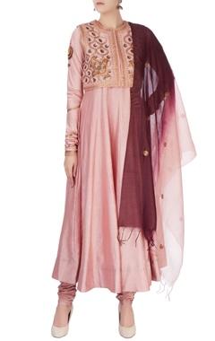 Pink aari embroidered kurta set