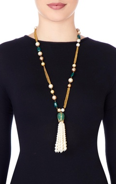 Multi colored pearls necklace