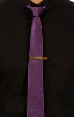 Gold tie-pin with swarovski crystals
