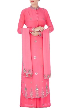 Anushka Khanna Pink gunmetal embroidered kurta set