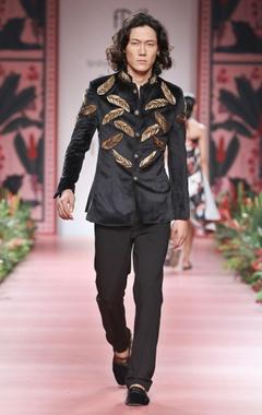 Shivan and Narresh - Men Black embellished bandhgala