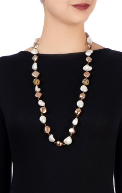 brown & white shell pearl necklace