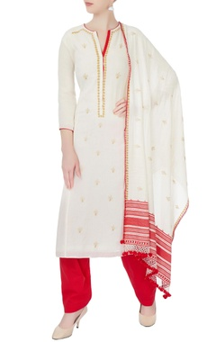 white & red floral embroidered kurta set