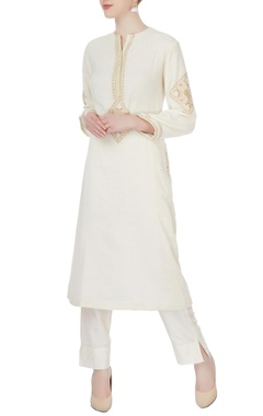 Anjul Bhandari White embroidered kurta & pants