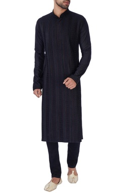 black anchor embroidered kurta