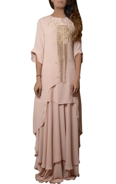 pink maxi layered dress with ruffled sleeve