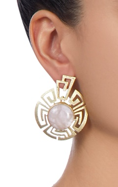 Gold plated earrings with peach stones