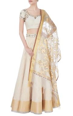 beige lehenga & blouse with dupatta