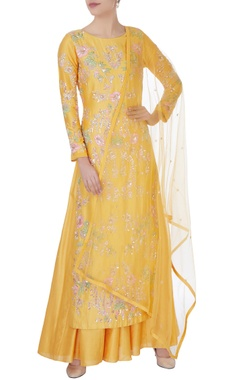 Aneesh Agarwaal Yellow sequin kurta with lehenga & dupatta