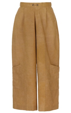 brown trousers with pockets
