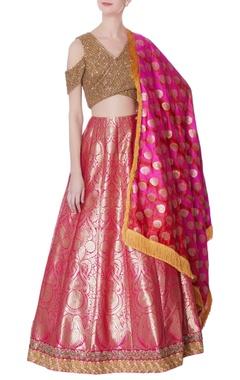 pink banarasi lehenga & gold blouse