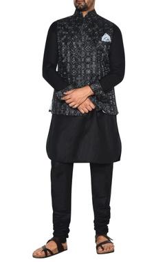 Arjan Dugal Black & grey embroidered nehru jacket set