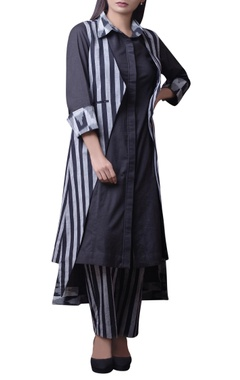 House of Qidwa Black & grey ikat printed kurta set