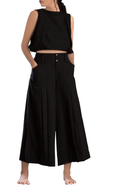black hand-woven black trousers
