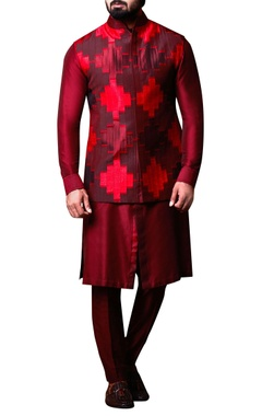 Kunal Anil Tanna - Men Maroon & red patchwork jacket set
