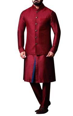 Kunal Anil Tanna - Men Maroon textured bandhi jacket set