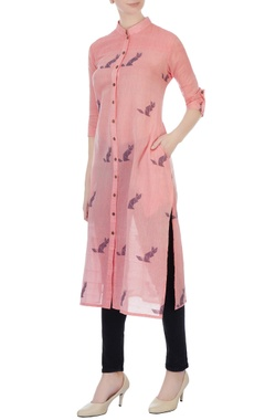 Sayantan Sarkar Pink hand-woven cat motif jamdani tunic